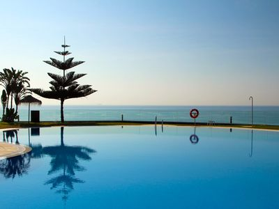 Photo for El Coloso Breathtaking Sea Views Apartment