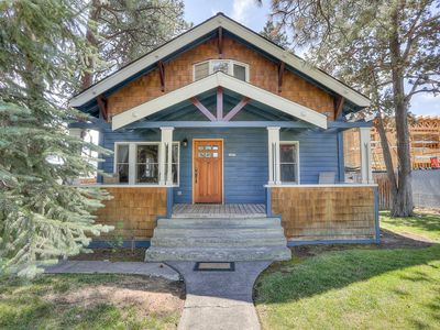 Photo for Albany - Charming cottage in the heart of Bend. Walk to Old Mill and Downtown.