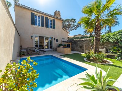 Photo for Air conditioned 4 bedroom villa with garden & parking in the middle of St Tropez