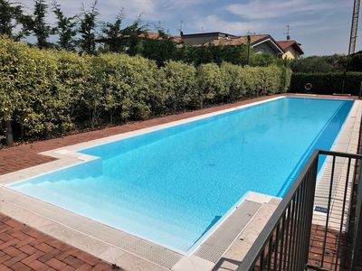 Photo for Terraced villa with swimming pool in Desenzano