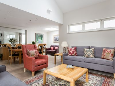 Photo for Thurloe Place Mews - Three Bedroom Apartment, Sleeps 6