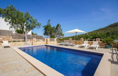 Photo for Comfortable summer house with pool, BBQ, 150 m from the supermarket, 1.5 km from Cala Vadella beach