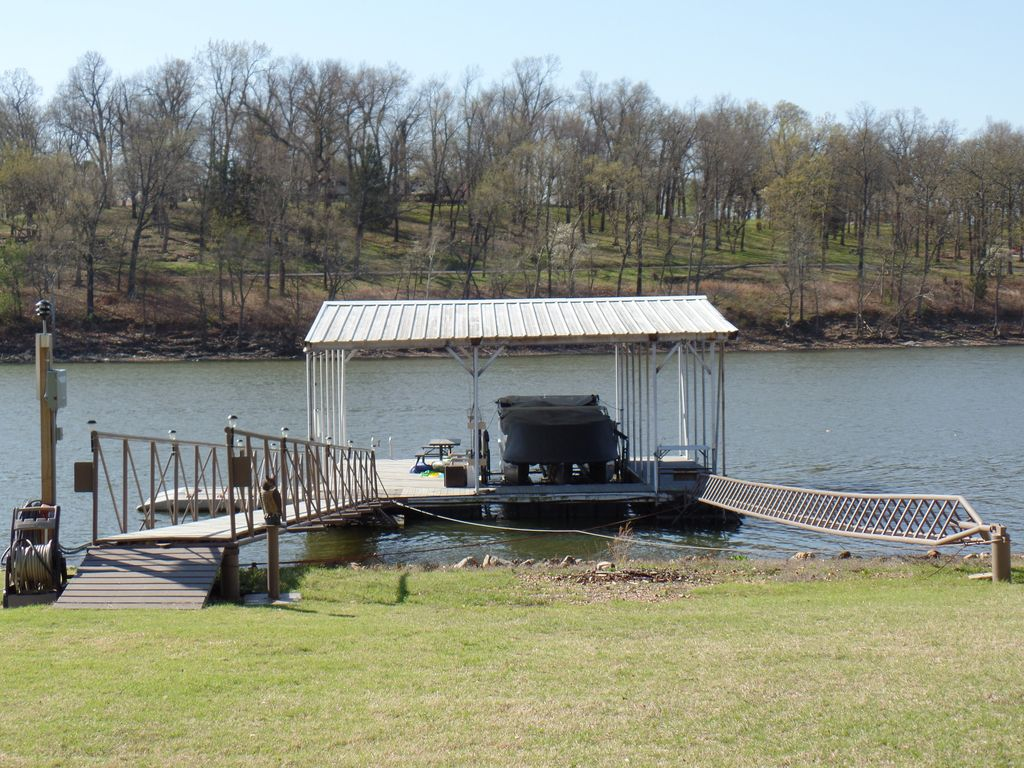 Perfect get away lake front cabin on grand lake of the for Grand lake oklahoma cabin rentals