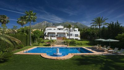 Photo for Luxury Villa for short term rental with private Pool, BBQ, Tennis Court