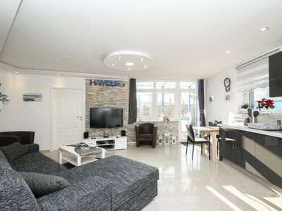 Photo for Bright apartment with terrace