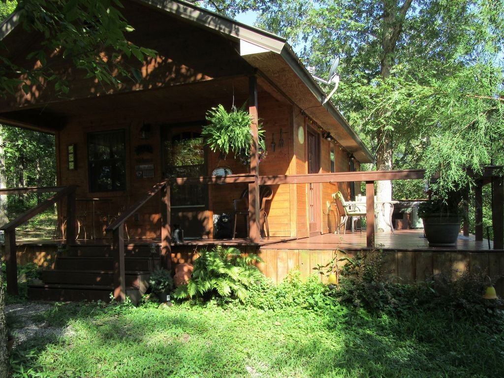 Private vacation cabin getaway for couples hot tub king for Vacation cabin rentals in oklahoma