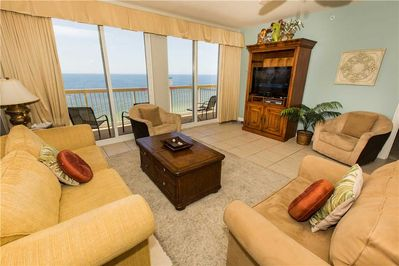 Large 1446 Sq Ft Corner Unit With Tommy Bahama Furniture