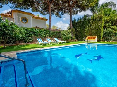 Photo for Villa España - Charming 5BR Villa with Private Pool. 5 mins walking to the Beach. Wifi.