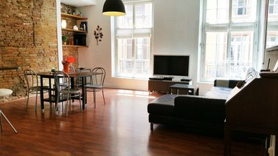 Photo for Apartment in the center of Toulouse with Air conditioning (699141)
