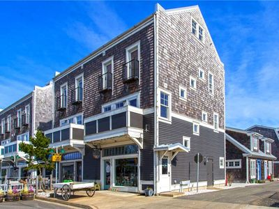 Photo for Fish Tales: 3 BR / 2.5 BA seabrook in Pacific Beach, Sleeps 8