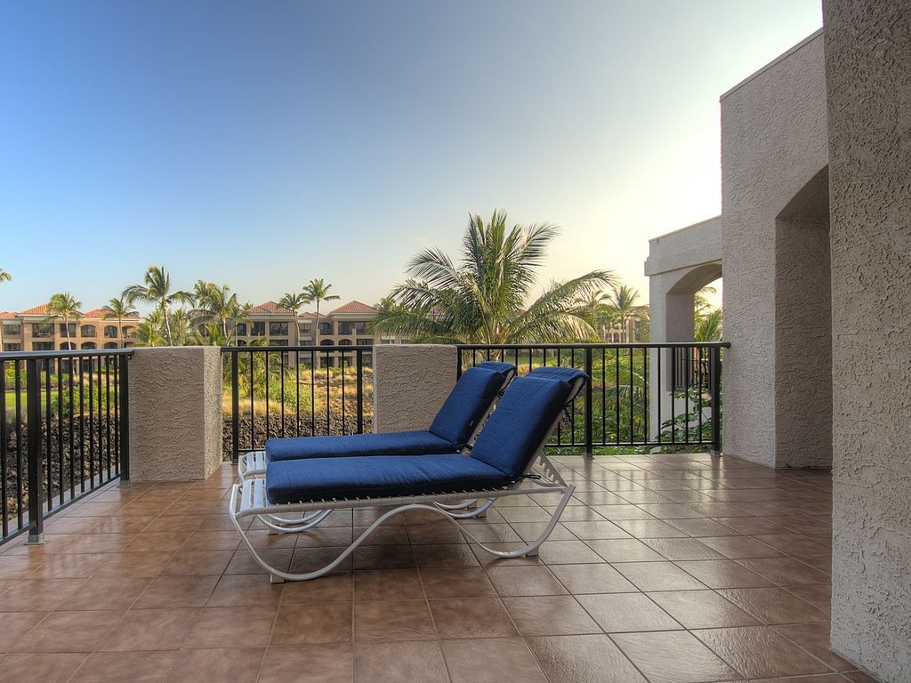 Spring special private top floor views open sundeck for Sundeck flooring