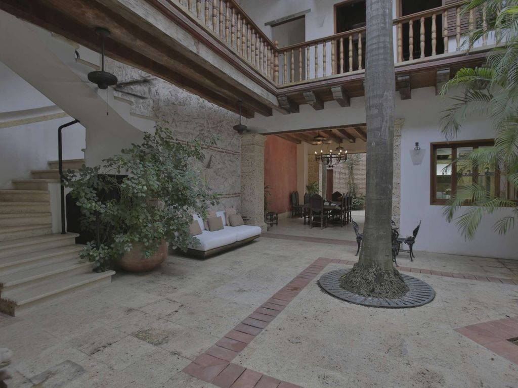 Stunning 5 Bedroom Old City House