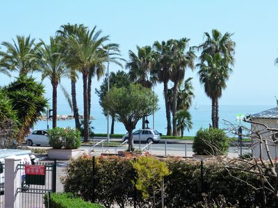 Photo for Beautiful 3 room seaside apartment fully equipped. Close to shops. 2 steps from the beaches,
