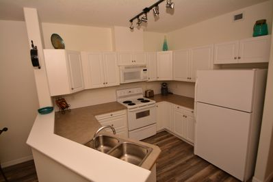 Fully equipped Kitchen including 4 appliances