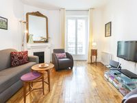Secluded and quiet but easy access to all of Paris