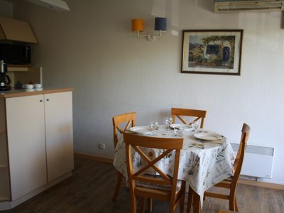 Photo for Air-conditioned apartment 4 people - terrace - 200 m beach - 50m shops-all comfort