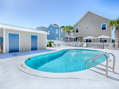 Photo for Vibrant Spacious Home with Private Pool! Mins From Seaside!