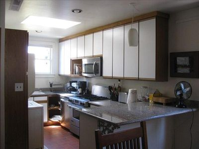 GREAT FULLY EQUIPPED KITCHEN WITH LOTS OF LIGHT & CHEF'S STOVE