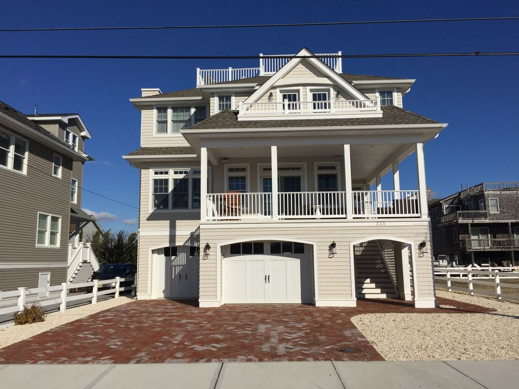 new bayside home in beach haven