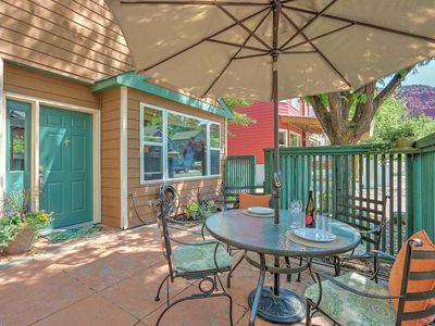 Photo for Lovely patio home in quiet neighborhood