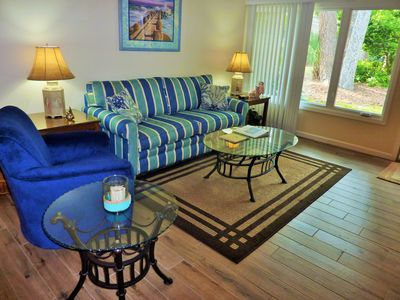 Photo for Seapines 2/Bed 2/Bath 5/Min Walk to Beach Club, Remodeled 2017, bikes, porch