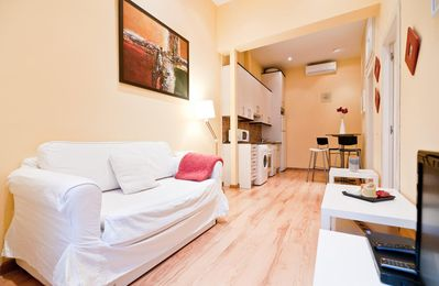 Photo for Puerta del Sol V apartment in Sol with WiFi, air conditioning, balcony & lift.
