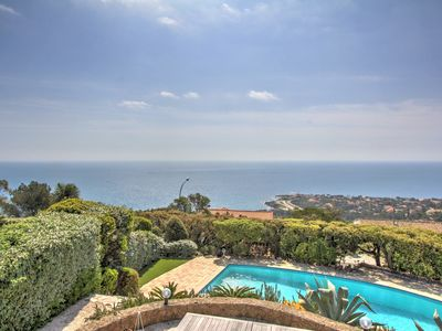 Photo for A true Provencal holiday - 6 people - Sea view