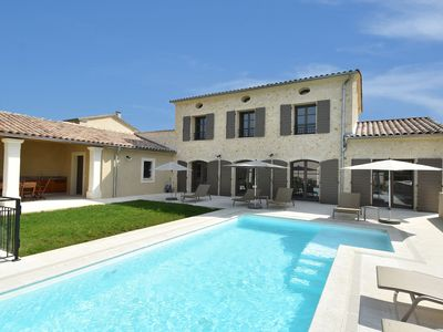Photo for Luxurious, air-conditioned villa with private heated pool and 4 suites at Uzès