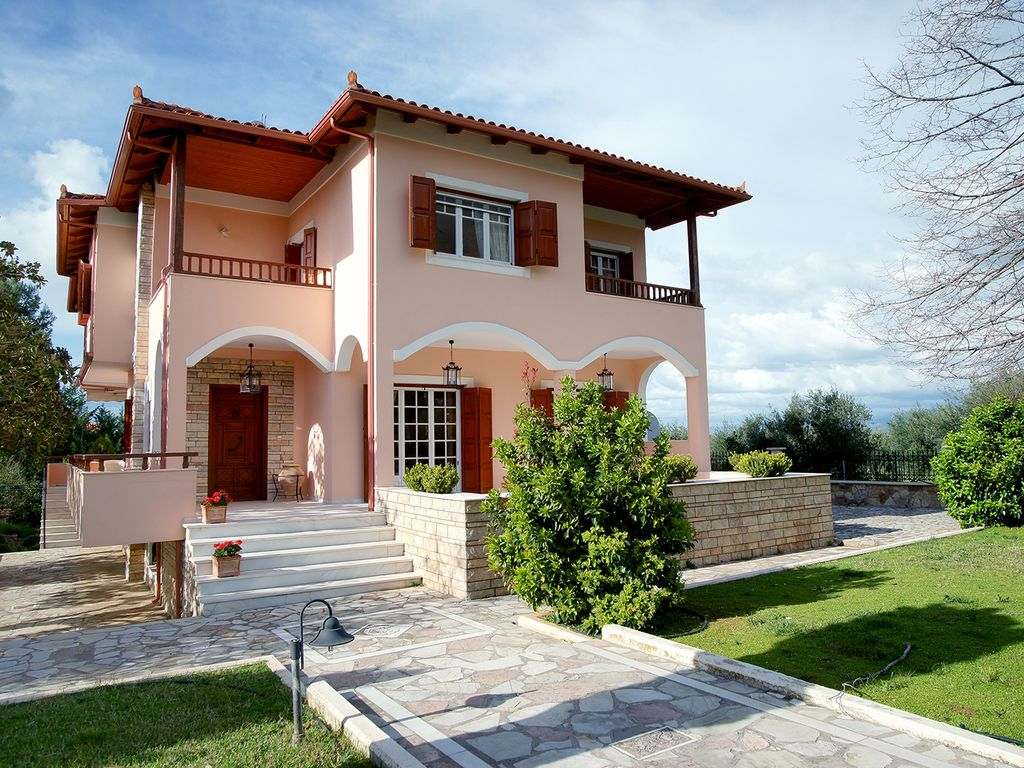 Stylish Greek Villa In Western Pelopennese Trifillia