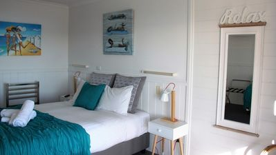 KINGFISHER COTTAGE Beachfront at Bay of Fires