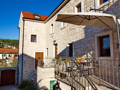 Photo for One bedroom apartment with terrace Jelsa (Hvar) (A-8713-a)