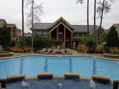 Photo for Gorgeous Pool View 1 Bedroom / 1 Bath Condo in The Woodlands