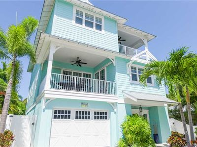 Photo for 2 Blocks from the Gulf Beaches! Dog Friendly!