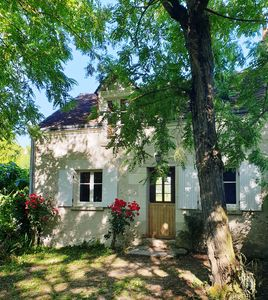 Photo for Charming cottage near Amboise, Chenonceau, Beauval