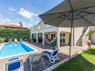 Photo for Holiday apartment with heated pool, barbecue and internet
