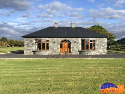 Photo for Large luxury home just 3 miles from Westport to sleep 9 people