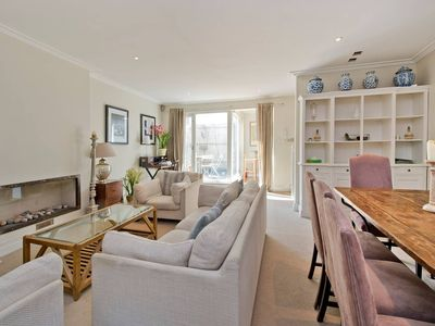 Photo for Amazing 4-bed House Near Museums + Hyde Park!