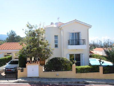 Photo for Luxury Villa near Argaka with private pool, Hot Tub, A/C, WiFi, BBQ and Sea View