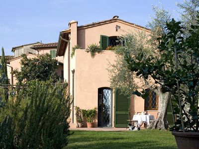 CHARMING FARMHOUSE in San Donato in Collina with Pool & Wifi. **Up to $-880 USD off - limited time** We respond 24/7