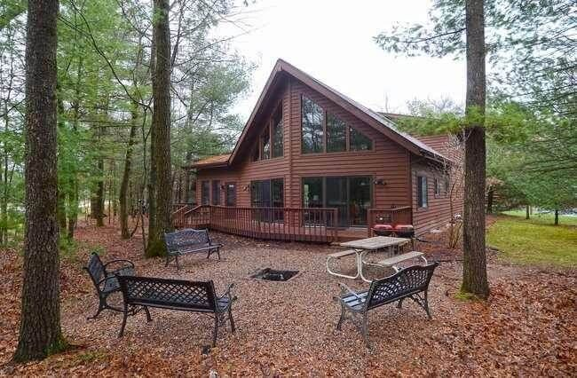 Bearclaw cabin spring brook resort beau homeaway for Cabins in wisconsin dells for rent