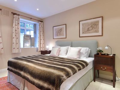 Photo for 1 bed flat in Chelsea close to Sloane Square Tube