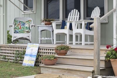 Relax on the front porch, enjoy listening to the waves crashing on the beach!