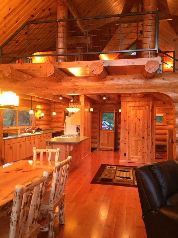 View From The Front Of The Cabin Into Spacious Loft With Great View Of The  Lake