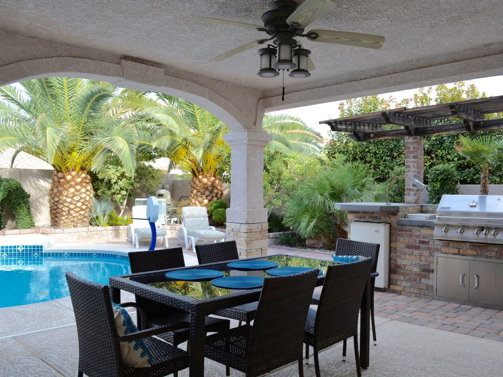 Modern 4-Bedroom Home with Tropical Oasis P... - VRBO