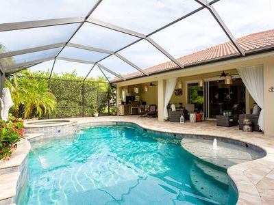 Photo for Private Tropical Retreat close to Fort Myers BEACH