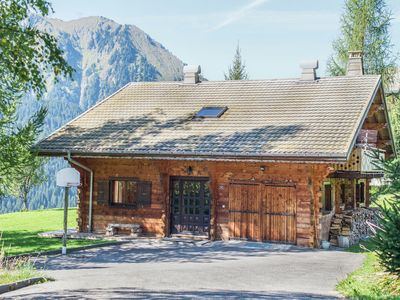 Photo for Cosy, charateristic chalet near the Petit Châtel lifts.