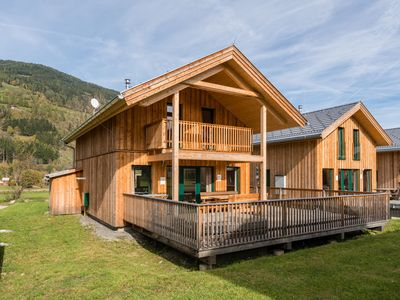 Photo for Detached luxury chalet with spa and outdoor jacuzzi, below the Kreischberg