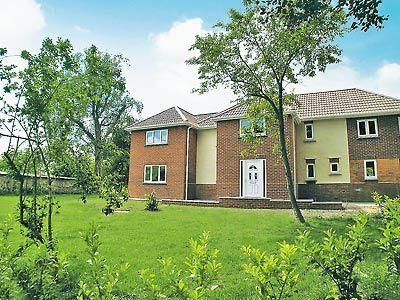 Photo for 4 bedroom property in Beaminster.