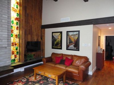 Photo for A home away from home!! 2b/2b Condo, Great Location & Walk to Town!