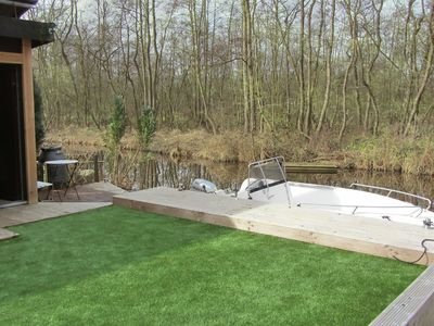 Photo for New cozy cottage in Loosdrecht lakes by boat